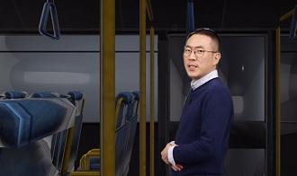-버스에서 몸이 한쪽으로 쏠리는 이유는?